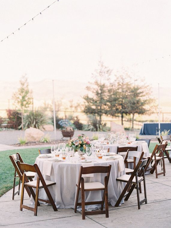 La Tavola Fine Linen Al Nuovo Grey With Ivory Napkins Photographer Mallory Dawn Photography Venue Pepper Tree Ranch C Wedding Inspo In