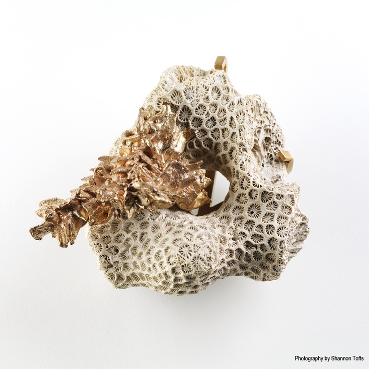 Mari+Ebbitt,+Cast+Coral+Brooch,+Low+Resolution.jpg 850×850 pixels
