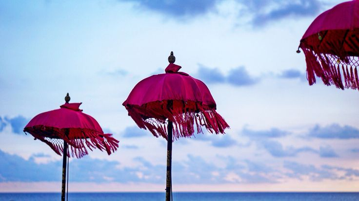 La plancha  #bali #beach #umbrela