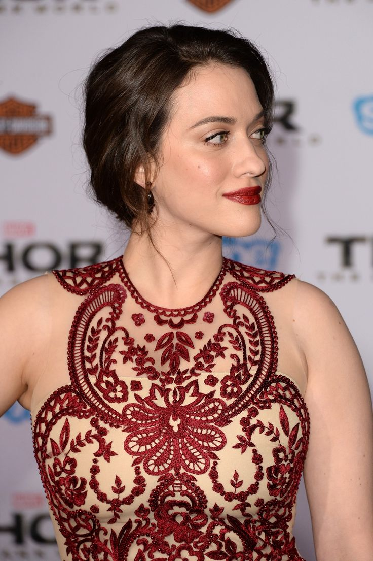Kat Dennings looked stunning at the Thor: The Dark World premiere