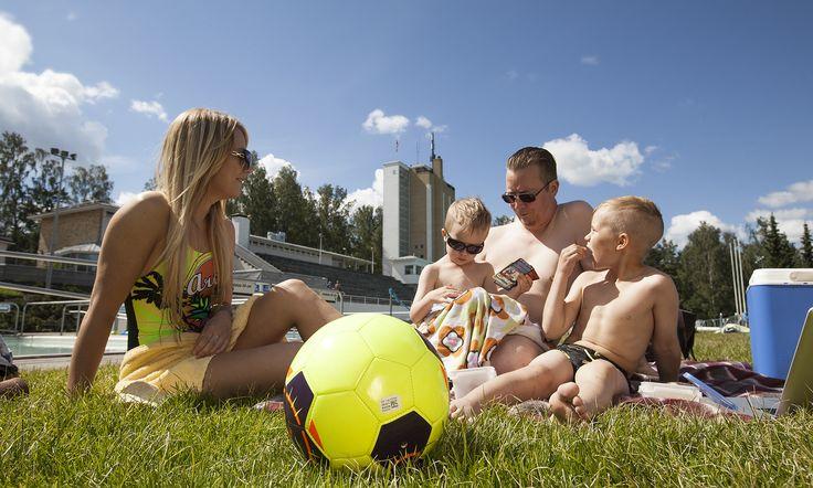 Riihimäen maauimalassa viihtyy koko perhe. Kuva Tapio Aulu #Riihimäki #maauimala #uimala