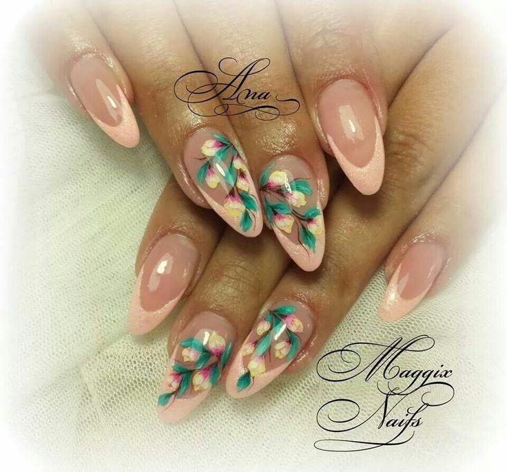 51 best virágos körmök images on Pinterest   Flower nails, Belle ...
