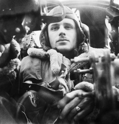 The Royal Air Force: The rear gunner in his position in a Wellington bomber.  Beaton, Cecil  © IWM (D 4736)