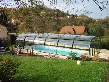 Best 25 abri piscine ideas on pinterest cabanon moderne for Abri piscine relevable