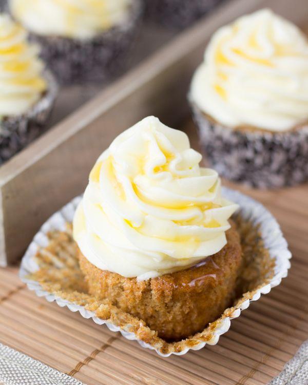 Objetivo: Cupcake Perfecto.: Cupcakes esponjosos de miel (y el poder de lo auténtico)