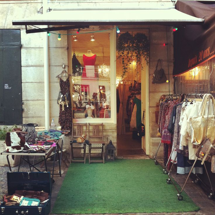 Ninon Retro Shop 4 place du marche ste catherine 75004 paris