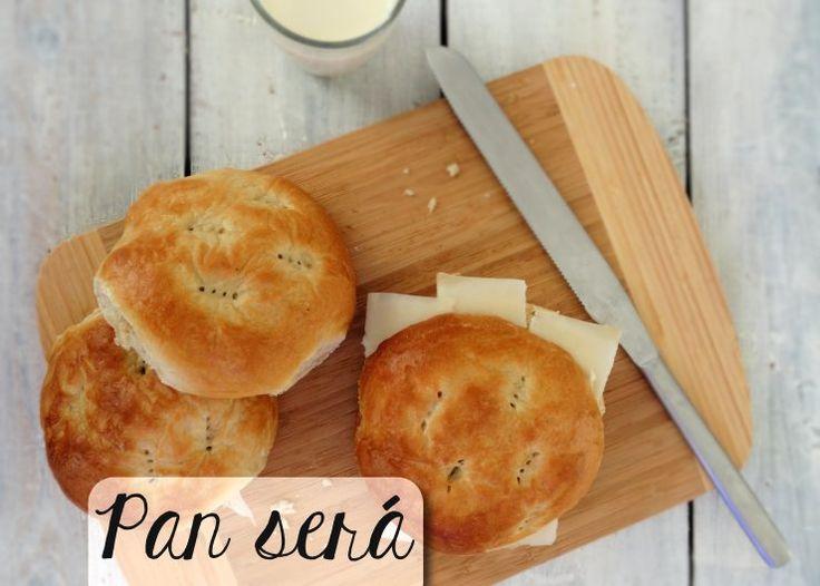 Pan será zijn traditionele Antilliaanse broodjes. Zelfs met een simpel plakje kaas smaken ze al heerlijk! Maak deze broodjes nu zelf met ons recept.