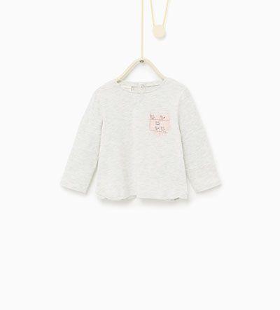 T-skjorte med mønstret lomme-T-SKJORTER-Baby Jente---BARN | ZARA Norge