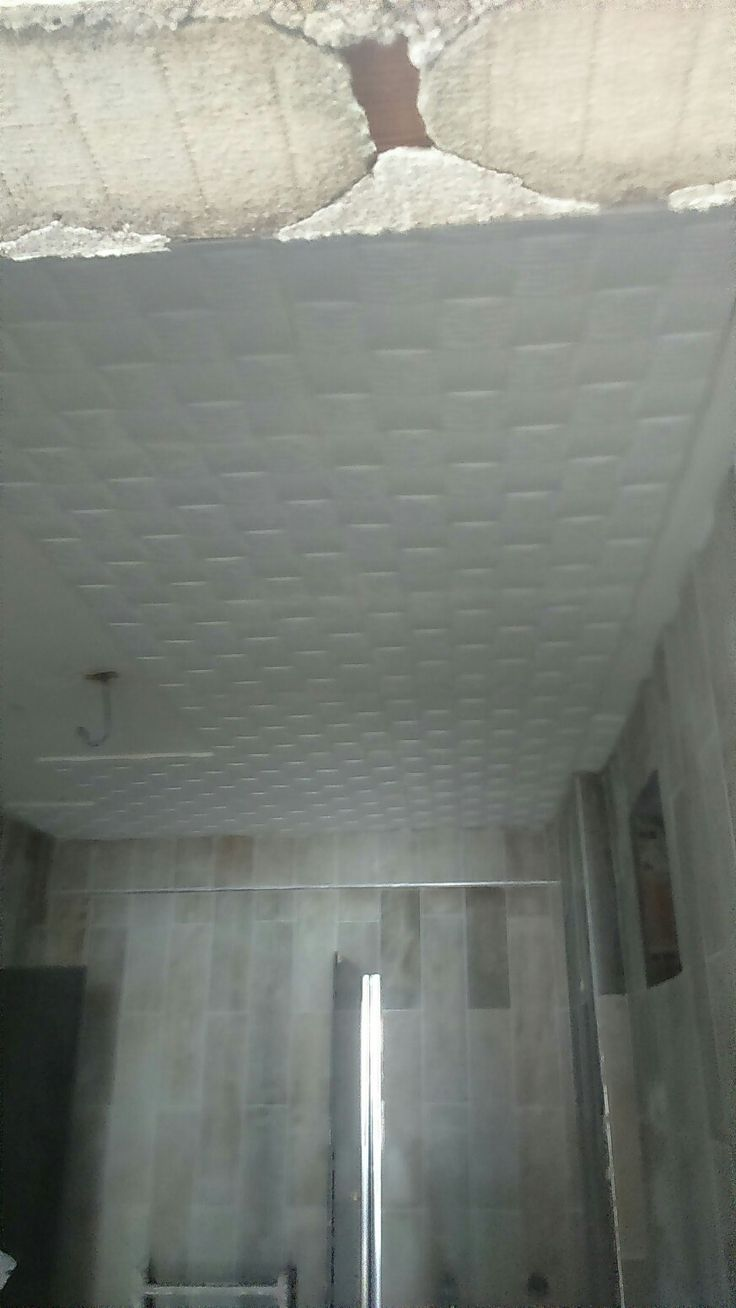 banyo tavanlarıda bitmek üzere