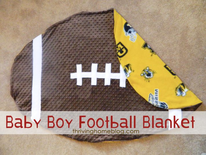 A step-by-step tutorial on how to make a baby blanket in the shape of a football. Personalize it with your favorite team!: Babies, Baby Boy Football, Idea, Craft, Blanket Tutorial, Diy Baby, Baby Blankets, Football Blanket, Favorite Team
