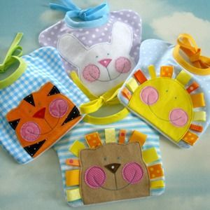 darling baby bibs -- great baby shower gift idea too