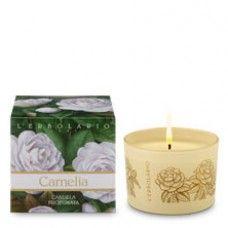 Camelia illatgyertya kamélia illatú - Rendeld meg online! Parfüm és kozmetikum család az olasz Lerbolario naturkozmetikumoktól