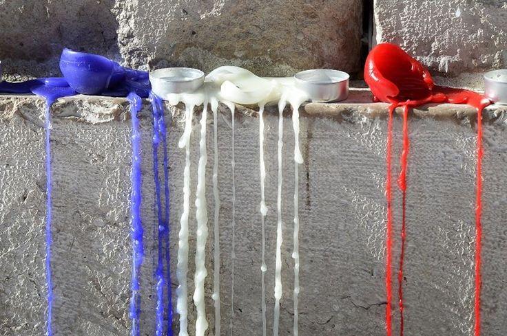 Des bougies posées à Aix-en-Provence en hommage aux victimes des attentats de Paris