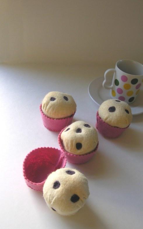 Felt American muffins