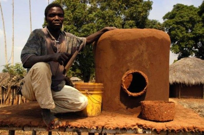 Zero-emissions fridge helps Mozambican farmers adapt to extended drought seasons - Gilberto Tethere