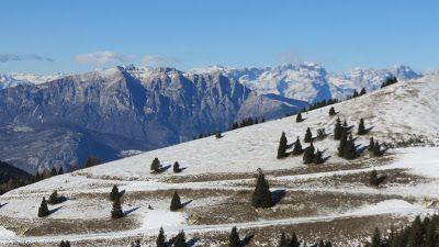Trentatre'Trentini33人のトレント人: 1月初雪、Folgaria & Lago di Coe