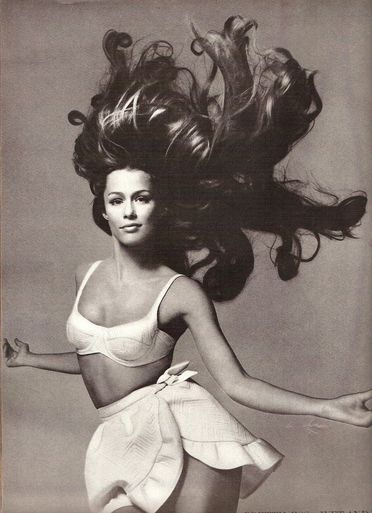 Lauren Hutton - US Vogue June 1968