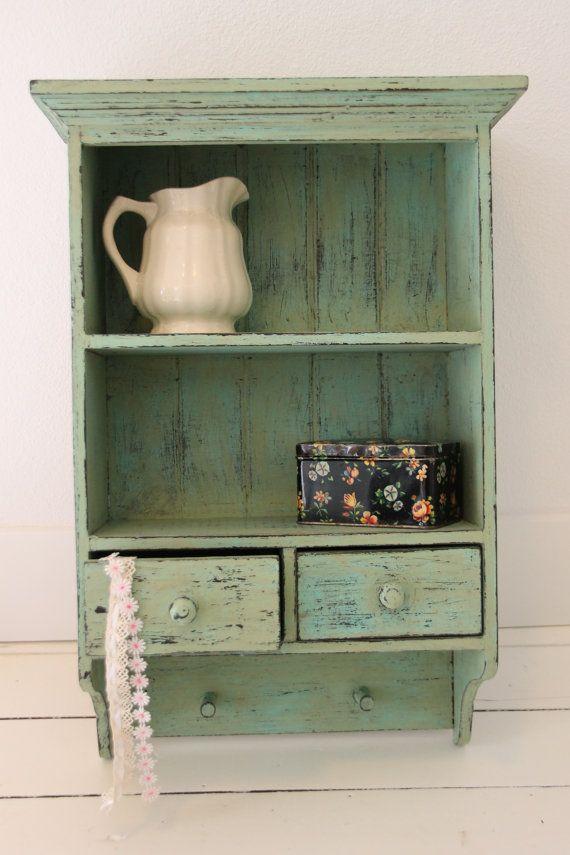 Shabby chic open kastje met laadjes in blauw groen door KijkMaris