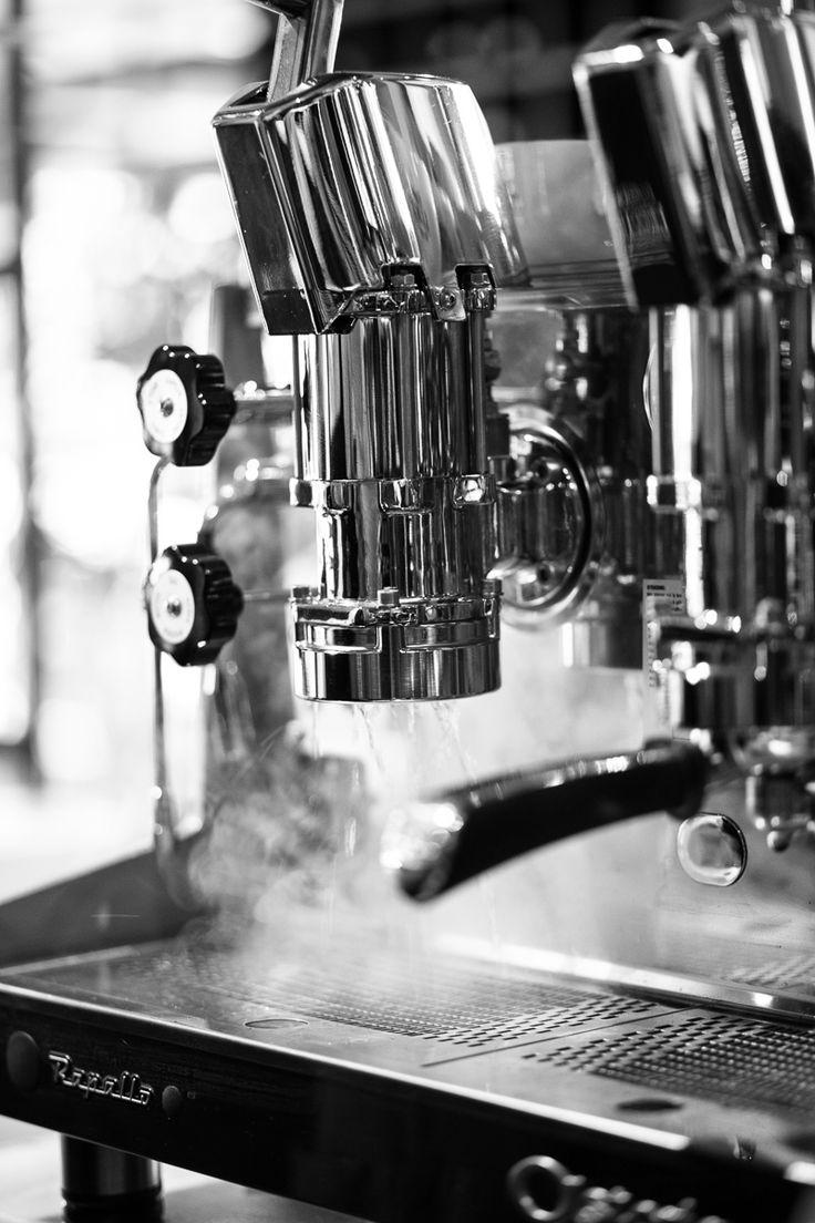 pulling water from the lever espresso machine Astoria rapallo