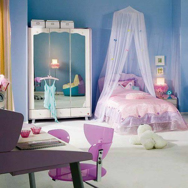 jugendzimmer einrichten lila bett mit baldachin schrank spiegel rosa stuhl kinderzimmer. Black Bedroom Furniture Sets. Home Design Ideas