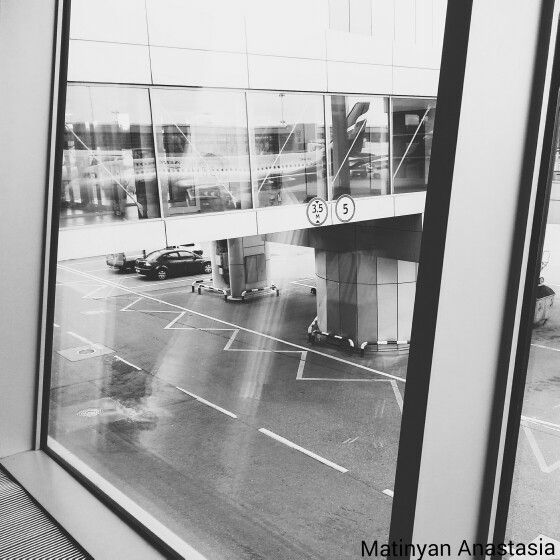 Airport, the line, rhythm, architecture, reflection, cityscape. Photo Anastasia Matinyan