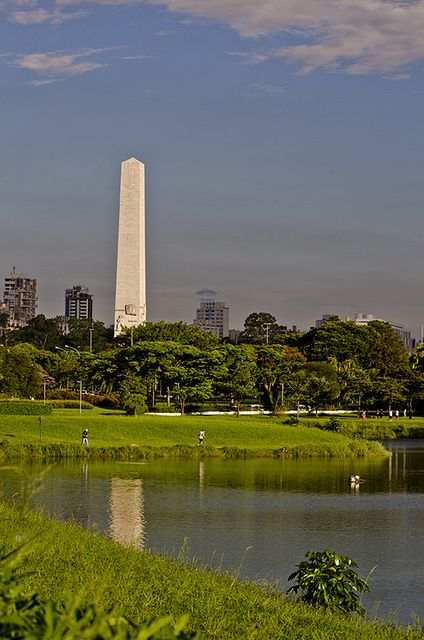 Places: SP - Ibirapuera Park (Obelisk in background) - São Paulo, Brazil