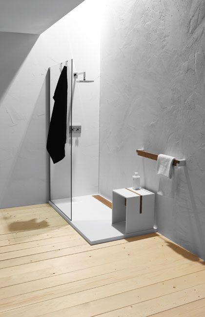 corian shower tray with teak slab /  piatto doccia in corian con copripiletta in teak