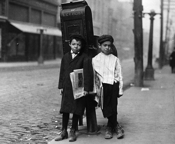 Dos repartidores de periódicos de 7 años, profanos y listos: venta de domingo, Nashville, Tennessee