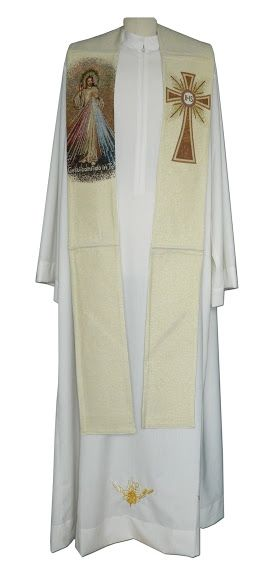 Estola con Cristo Misericordioso bordado / Priest stole embroidered with the Divine Mercy (1/4) http://www.articulosreligiososbrabander.es/vender-estola-cristo-misericordioso-sor-maria-faustina.html