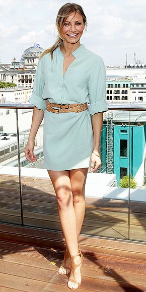 Cameron Diaz wearing a shirt dress exactly like I wear mine (just different colours) - add a funky belt ladies