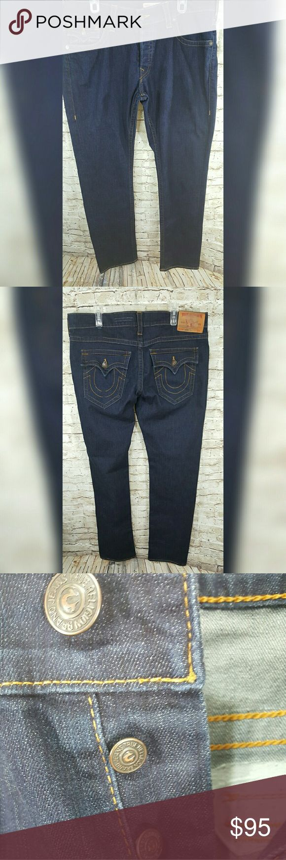 True Religion Men Jeans size 38 Gently worn Traditional bootcut True Religion jeans with no flaws. Straight fit with the True Religion buttions for the closure. True Religion Jeans Straight