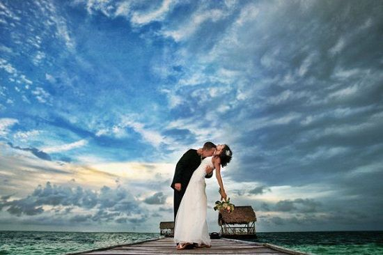 Creative Ideas and Amazing Poses - Wedding Photography : Funny Funky Images - Page 2 FunFunky.com