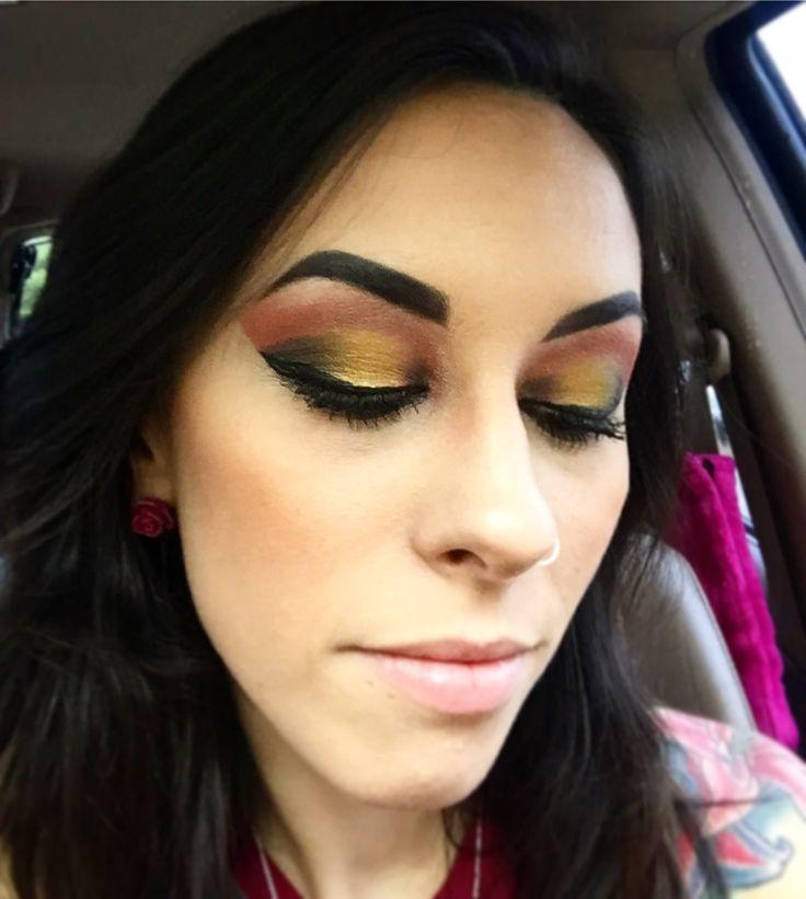 #makeup #makeupartist #artist #makeupaddict #makeupjunkie #makeupgeek #eyes #eyeshadow #eyebrows #makeupporn #vice4palette #urbandecay #morphe #morphepalette #morphebrushes #urbandecaypalettes #smokeyeyes #professionalmakeupartist #beauty #cosmetics #foll