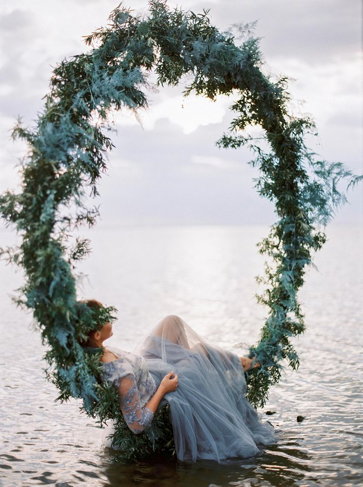 bridal photography - photo by Muravnik Photography http://ruffledblog.com/calming-baltic-sea-wedding-inspiration