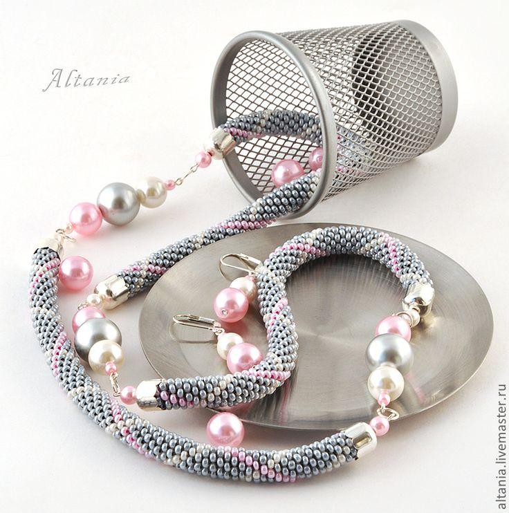 f327269945-ukrasheniya-tartan-pink-kole-sergi-n9689.jpg 761×768 pixels