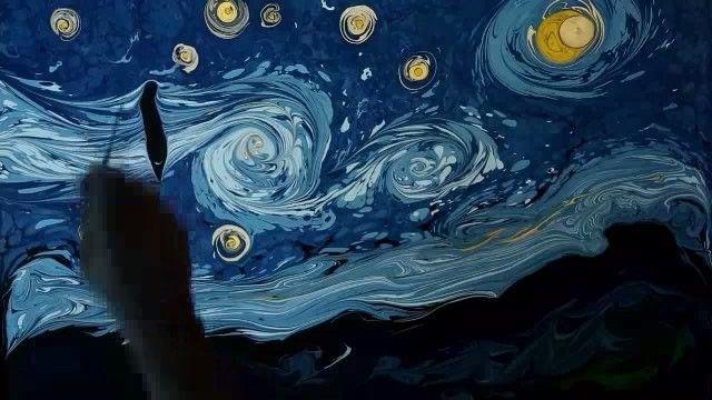 """Эбру - древнее искусство рисования на воде. Экстракт растения гевен делает воду вязкой, а краски используются не растворимые в воде. Турецкий художник Гарип Ай воссоздал в этой технике самый, пожалуй, популярный шедевр Ван Гога - """"Звездную ночь""""."""