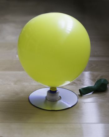Science Fair: DIY Hovercraft  The boys love balloons. Thought this would be a good project.