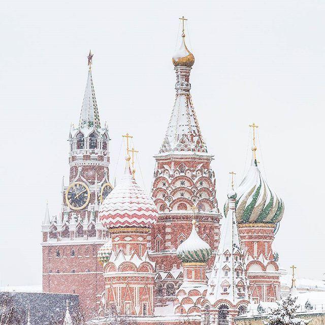 #russia_pics #russia_fotolovers #russia_ww #russia_ig #ru_hello  #po_strane #rusonline #landscape_russia #loves_united_russia #moyaplanetaru #bestcaptureglobal #worldplaces #worldcaptures #travel_drops #bestdestinations #москва #мск #moscow #moscowcity #winter #snow #russia