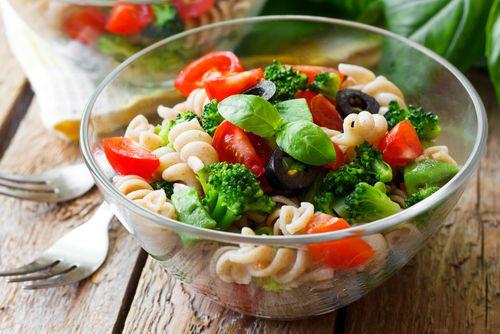 Ensalada de pasta vegetariana    #EnsaladaDePastaVegetariana #EnsaladaVegetariana #EnsaladaFacil #EnsaladaDeVerano #RecetasDeEnsaladas #RecetasLigeras #RecetasSaludables