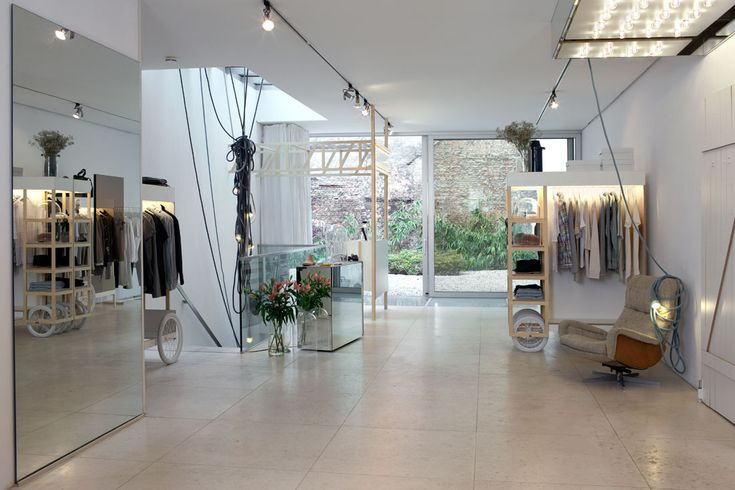 Baerck Store by Ilot Ilov. http://philsspaces.com/2014/10/17/oh-my-mitte/