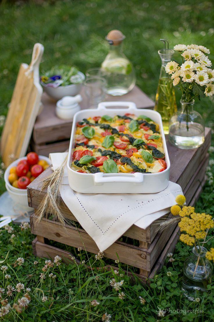 die besten 25 tomaten mozzarella salat ideen auf pinterest salat rezepte tomaten mozzarella. Black Bedroom Furniture Sets. Home Design Ideas