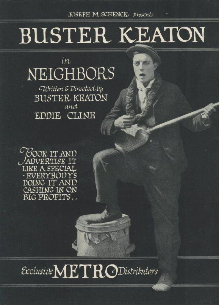 DVD CINE 2450-II - Vecinos (1920) EEUU. Dir: Buster Keaton e Edward F. Cline. Curtametraxes. Comedia. Sinopse: as propiedades de dúas familias están separadas por un feble valado. A través dun buratiño, Keaton, fillo dunha das familias, e unha agraciada rapaza, filla da outra, intercambian mensaxes de amor. Isto vai dar pé a varios equívocos sobre quen ama a quen e dará comezo a unha chea de leas que conducirá a ámbalas dúas familias perante un xuíz.
