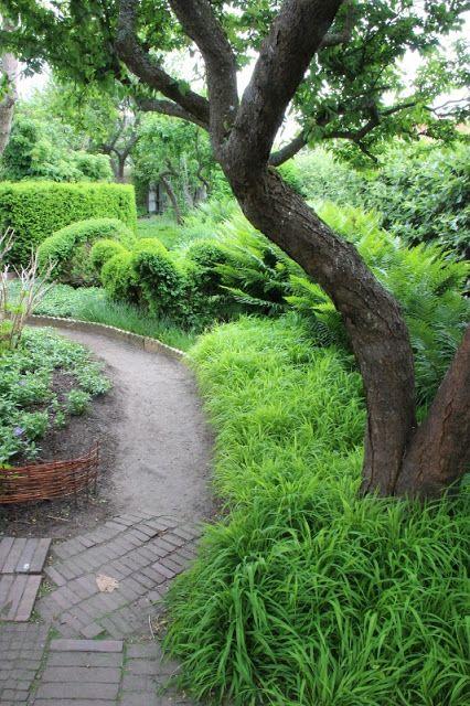 The garden of Ulla Molin in Höganäs, Sweden. - Lindas trädgårdsblogg