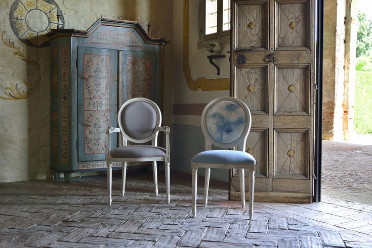 Luigi XVI chairs. A classic model by Venetasedie, revisited in the shabby chic format. Luigi XVI is an icon in the Venetasedie collection. In this picture we capture all the essence of vintage and fine materials like beautiful painted fabrics and the wood' soul.