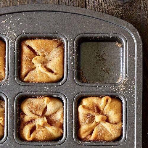 Individual apple pie's using PC brownie pan