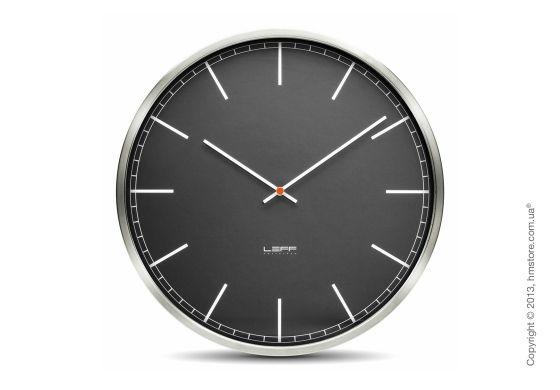 Настенные часы LEFF Amsterdam one stainless steel полностью сделанные из шлифованной нержавеющей стали, прекрасно дополнят интерьер дома или рабочего пространства. Классические достойные настенные часы.