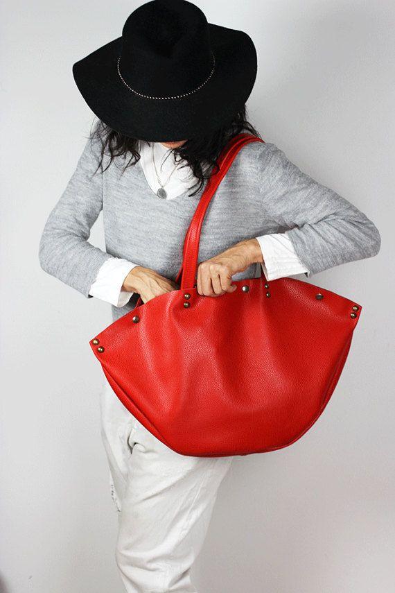 Cuero rojo grande bolso de hombro/minimalista cuero