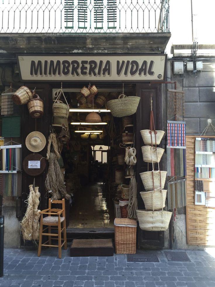 """Körbe, Körbe und noch mehr Körbe – Shopping-Tip """"Mimbreria Vidal"""" in Palma de Mallorca"""