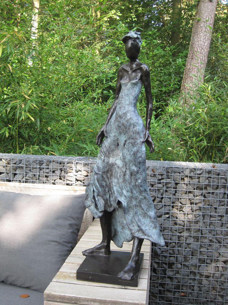 1000 images about bronzen beelden groot on pinterest for Beeld tuin modern