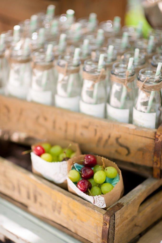 Fresh fruit snacks - grapes and cherries